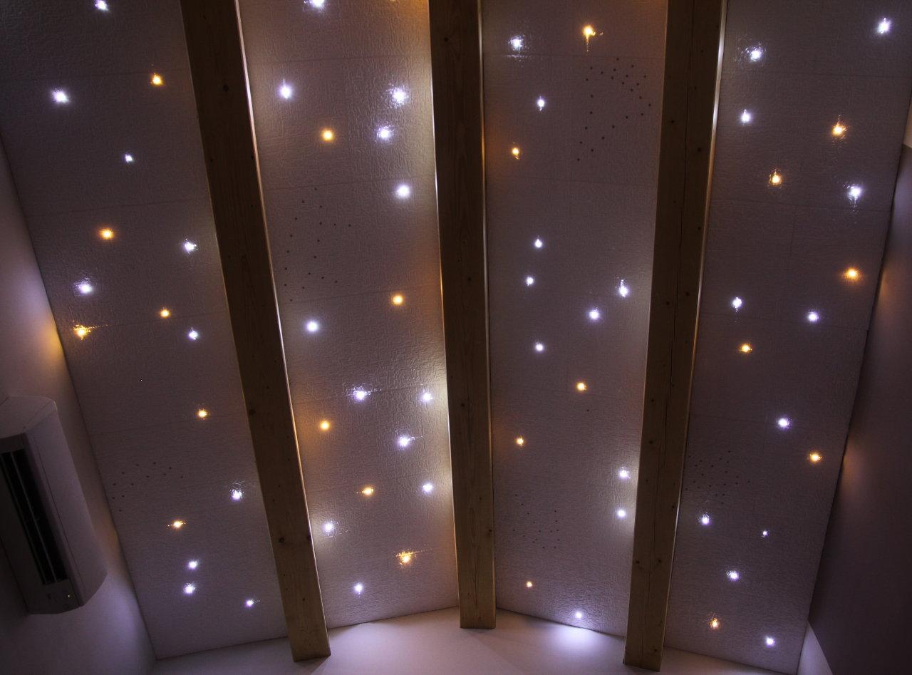 plafond avec led fabulous led pour faux plafond profil acclairant au plafond encastrable a led. Black Bedroom Furniture Sets. Home Design Ideas